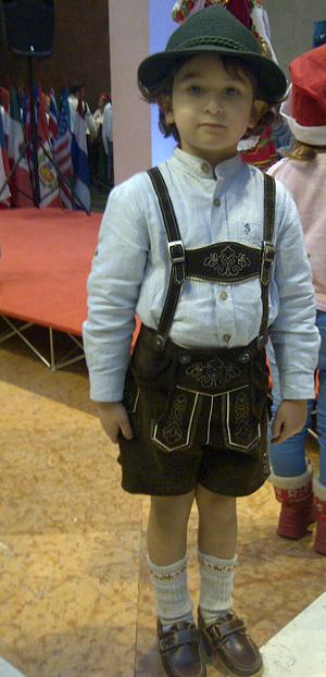 boy-in-lederhosen2.jpg