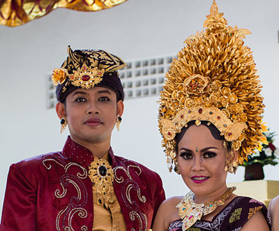 Balinese-wedding-headdresses.jpg