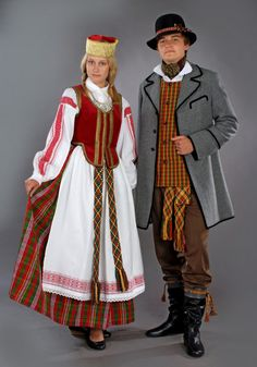 folk costume of Lithuania.jpg