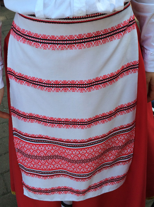 Greek-embroidered-apron.jpg