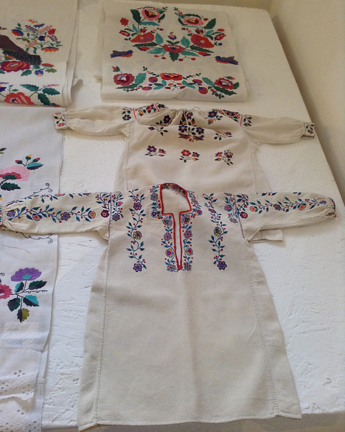 Ukrainian-embroidery13.jpg