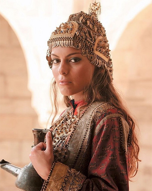 Azerbaijani-headdress.jpg