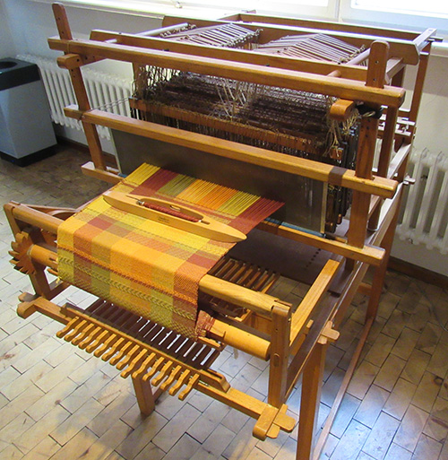 Weaving-loom.jpg