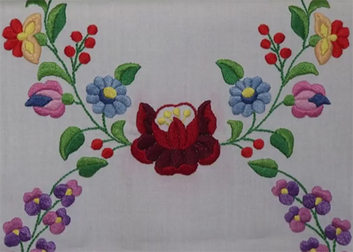Hungarian-embroidery2.jpg