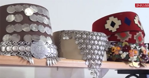 Armenian-headdresses.jpg